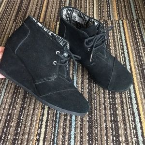 Toms black ankle booties